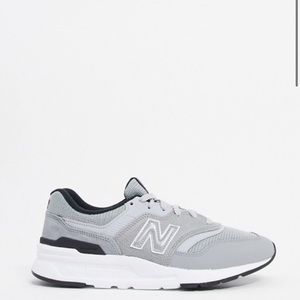 NWT New balance Sneakers M7 W8.5